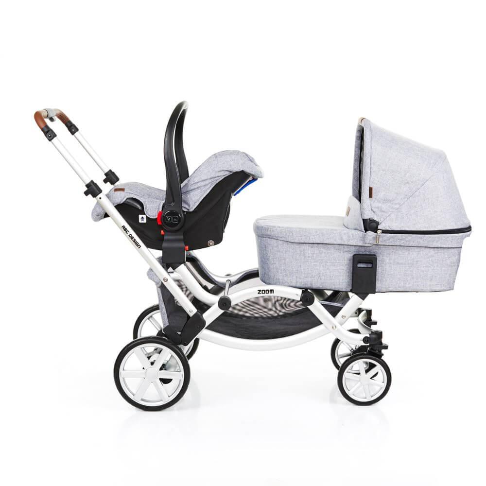 ABC Design Zoom mit einer Babyschale und Babywanne