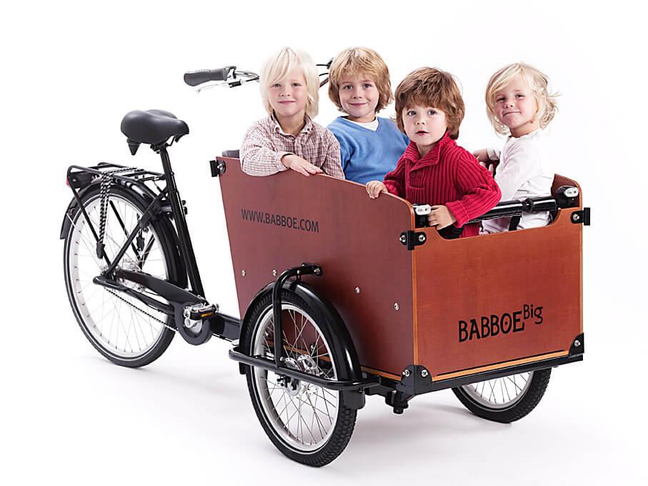 Babboe Big mit 4 Kindern