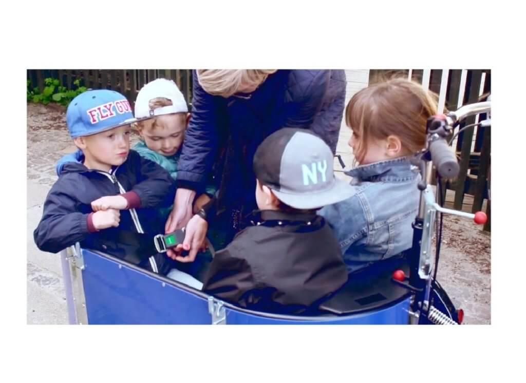 Nihola 4.0 mit vier Kindern