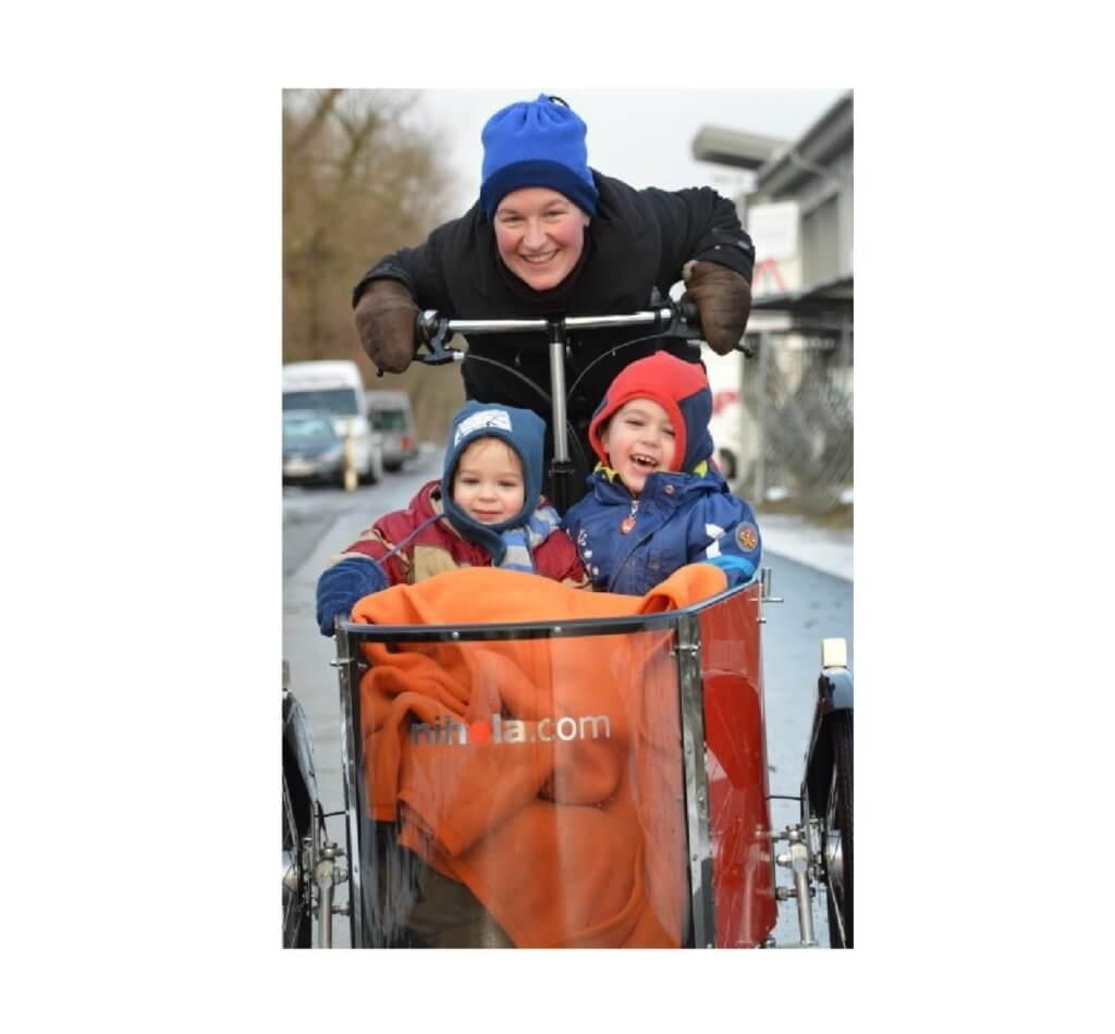 Nihola Family beim Fahren