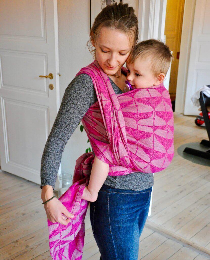 Babytragen, Tragetücher und Tragehilfen