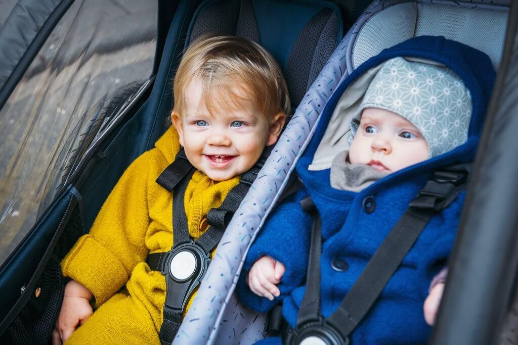 Croozer Kid Vaaya 2 zwei Kinder im Sitz