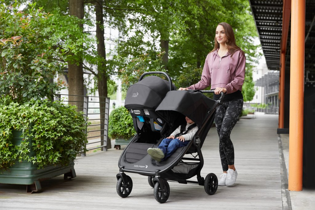 Baby Jogger City Mini GT2 Double unterwegs